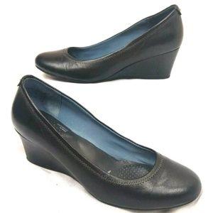 Rockport Black Wedge Leather Upper Man Made Heel R
